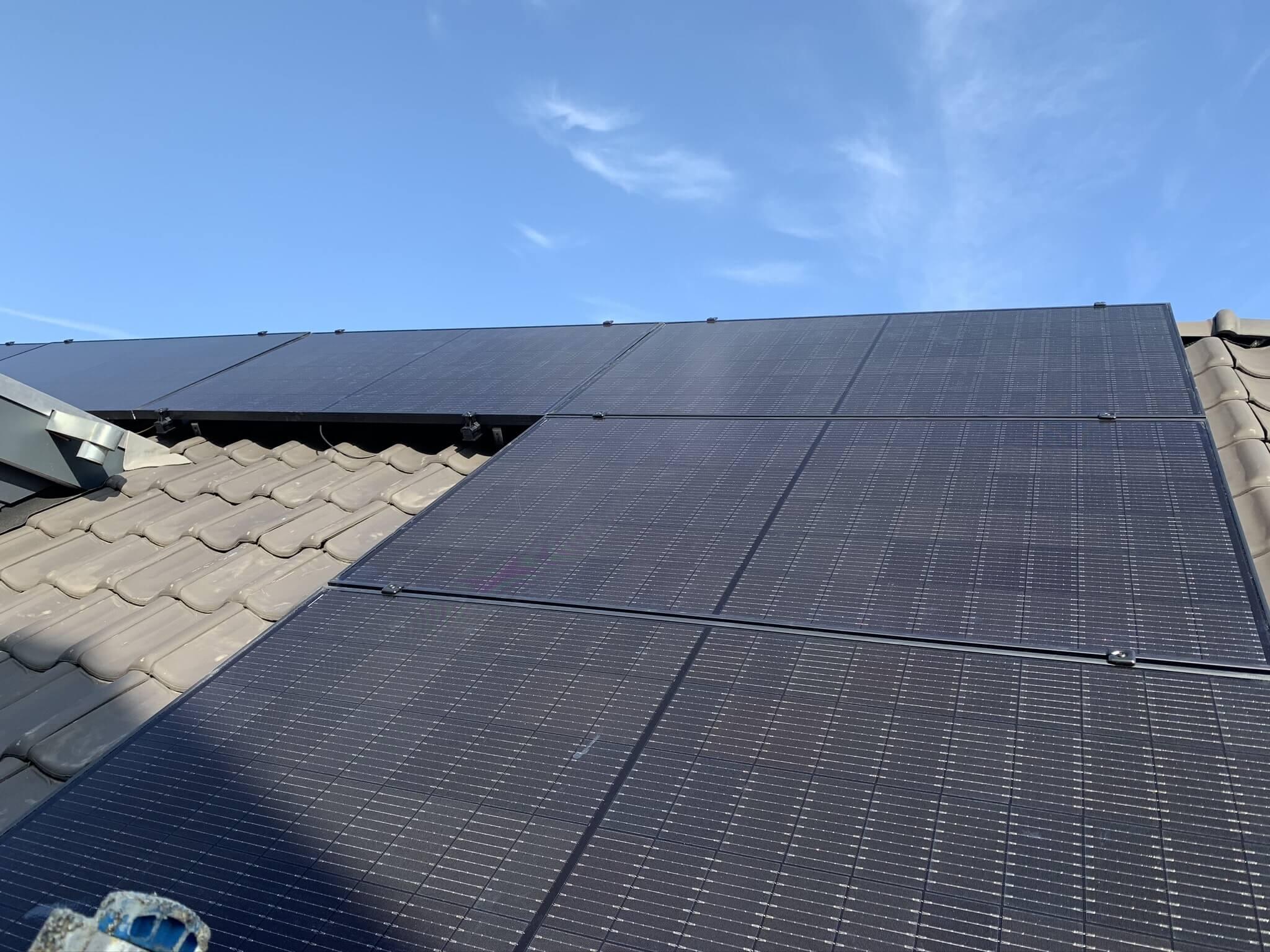 Installatie zonnepanelen woning