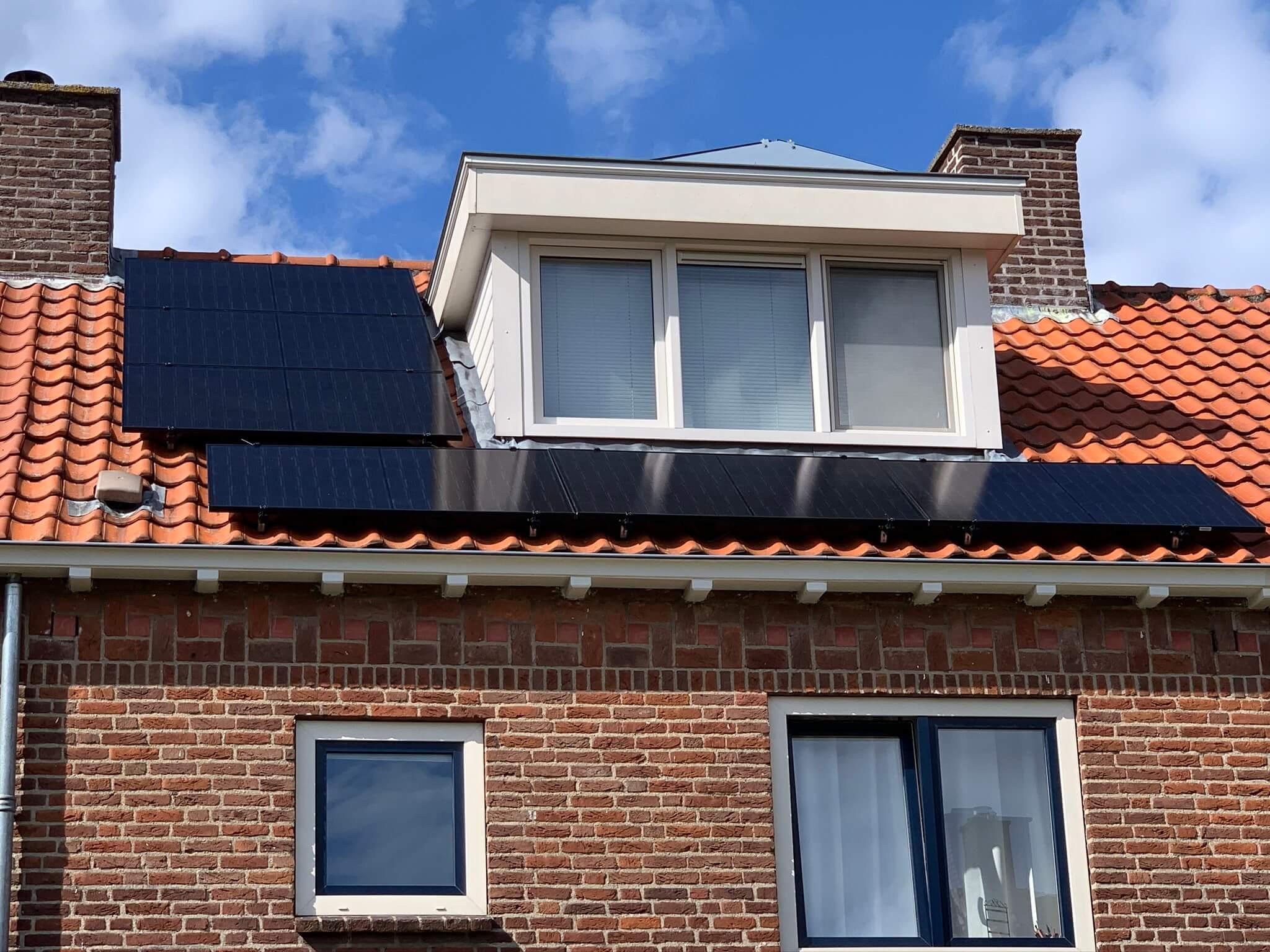 Installatie zonnepanelen bij Olislager te Breda