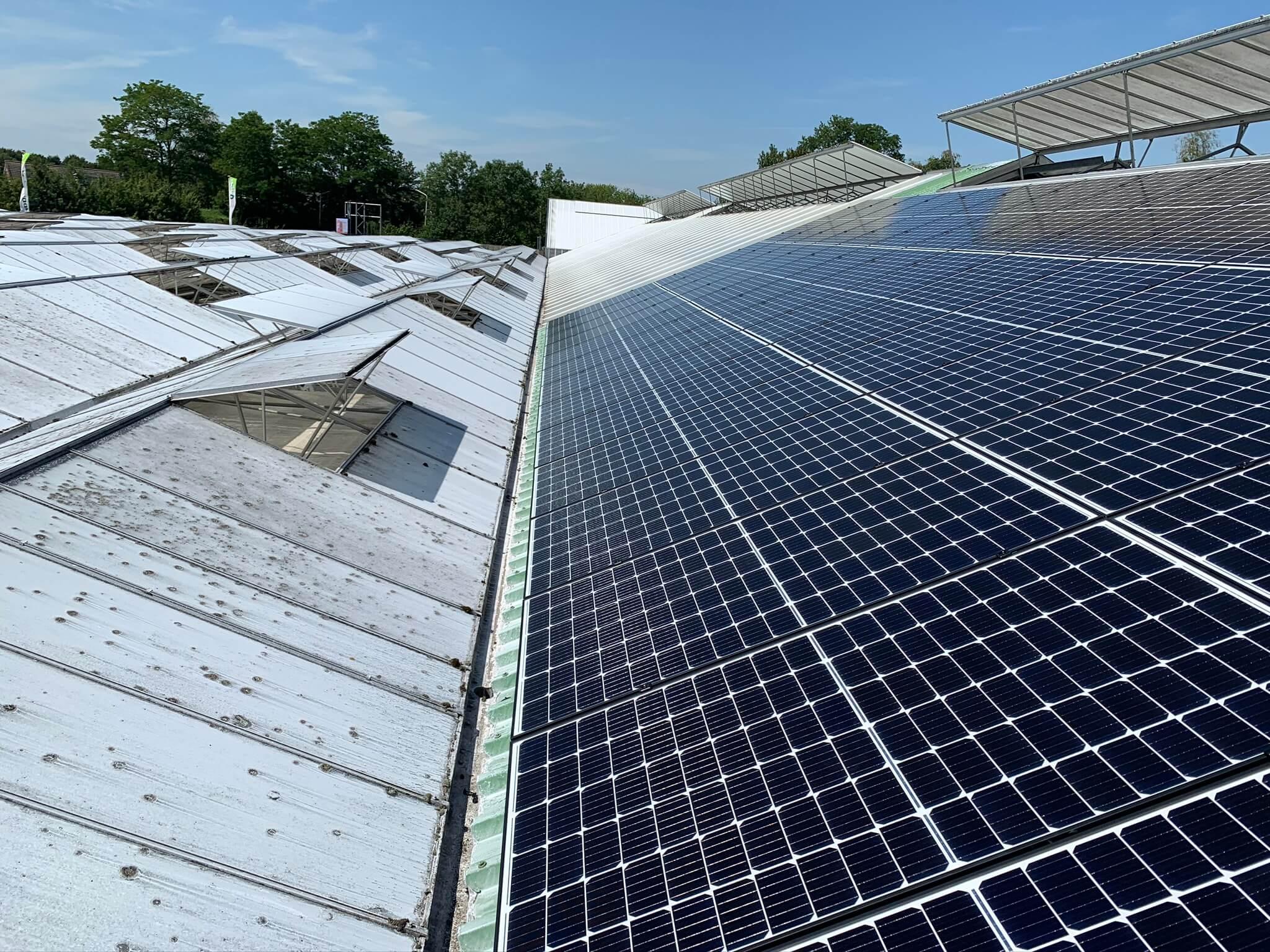 Installatie zonnepanelen bij tuincentrum Poppelaars te Breda